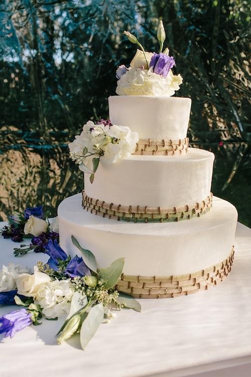 Cake by Elaine's Events—Cakes of Distinction. Image by Carolina Photosmith.