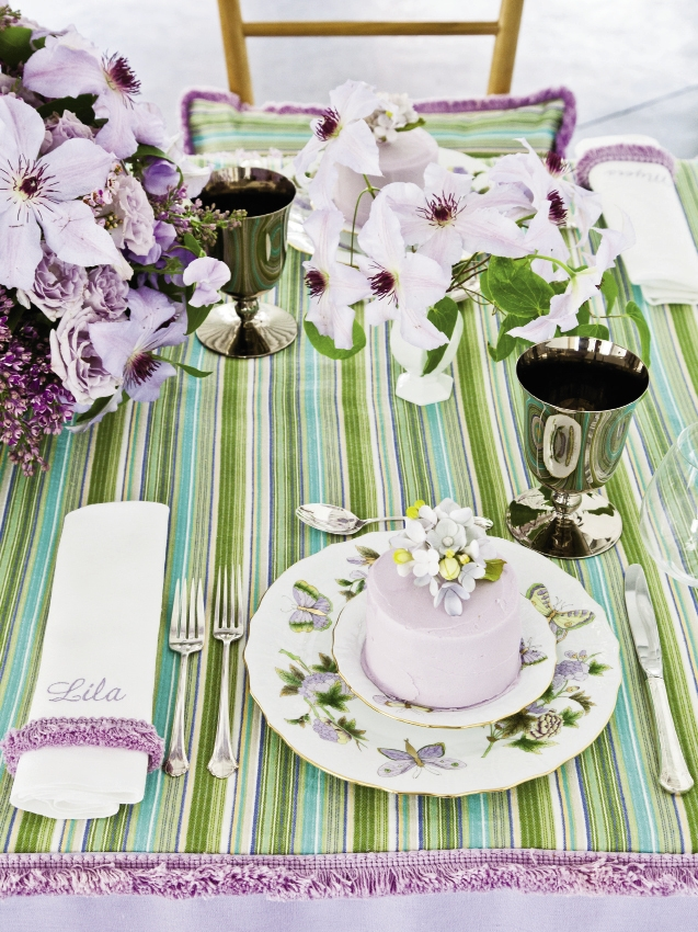 BIRD'S EYE VIEW: Place card napkins (below) stitched with guest names could be given as favors.