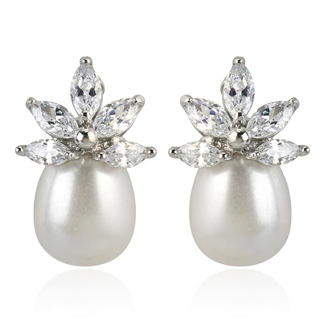 "Samantha Wills' ""Pearl River"" stud earrings. Available through SamanthaWills.com."