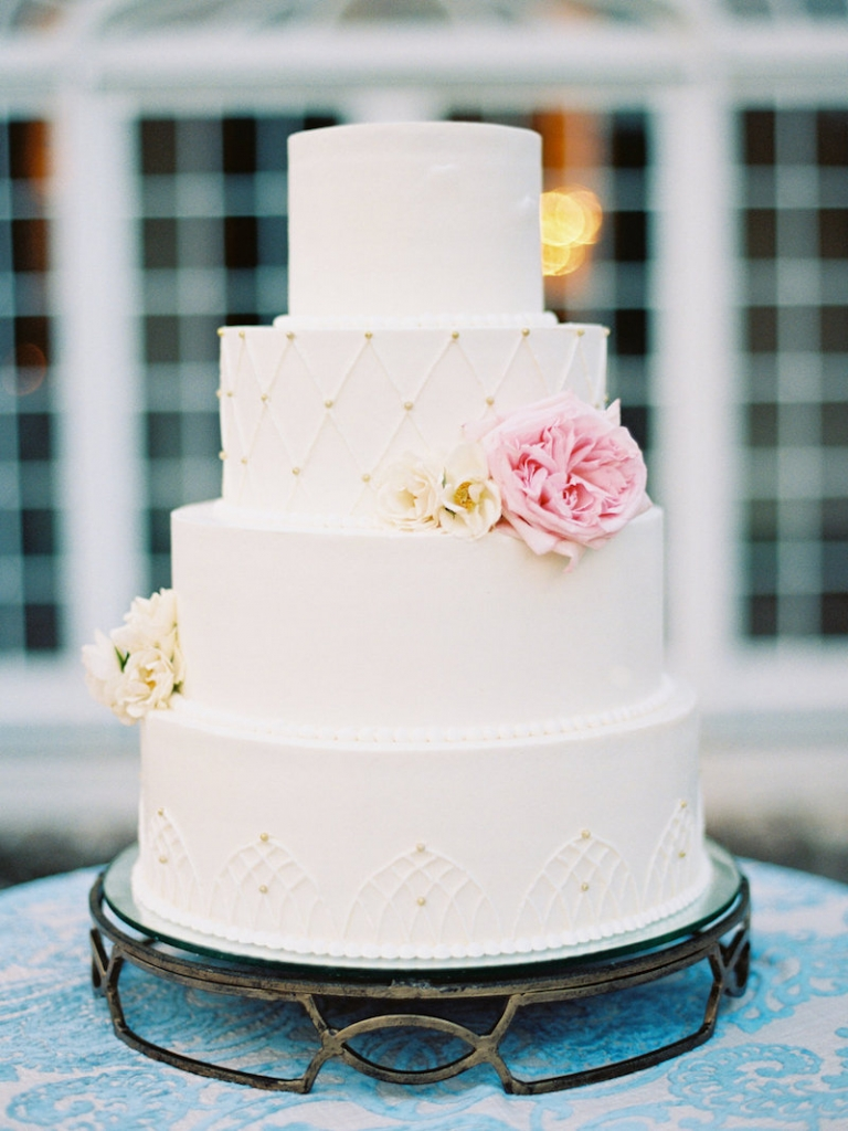 Cake by Jessica Grossman for Patrick Properties Hospitality Group. Image by Ryan Ray Photography.