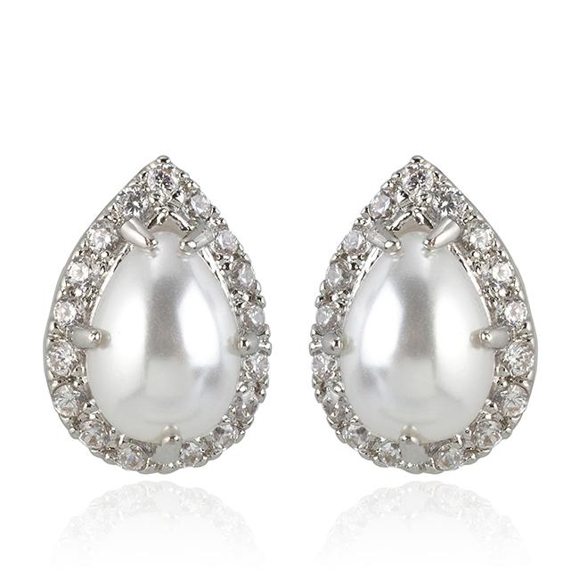 """Samantha Wills' """"Sway My Way"""" earrings. Available through SamanthaWills.com."""