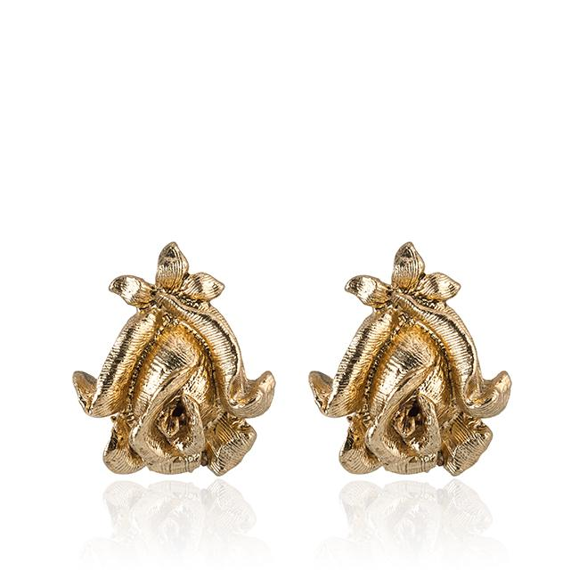 """Samantha Wills' """"Time to Dance"""" stud earrings. Available through SamanthaWills.com."""