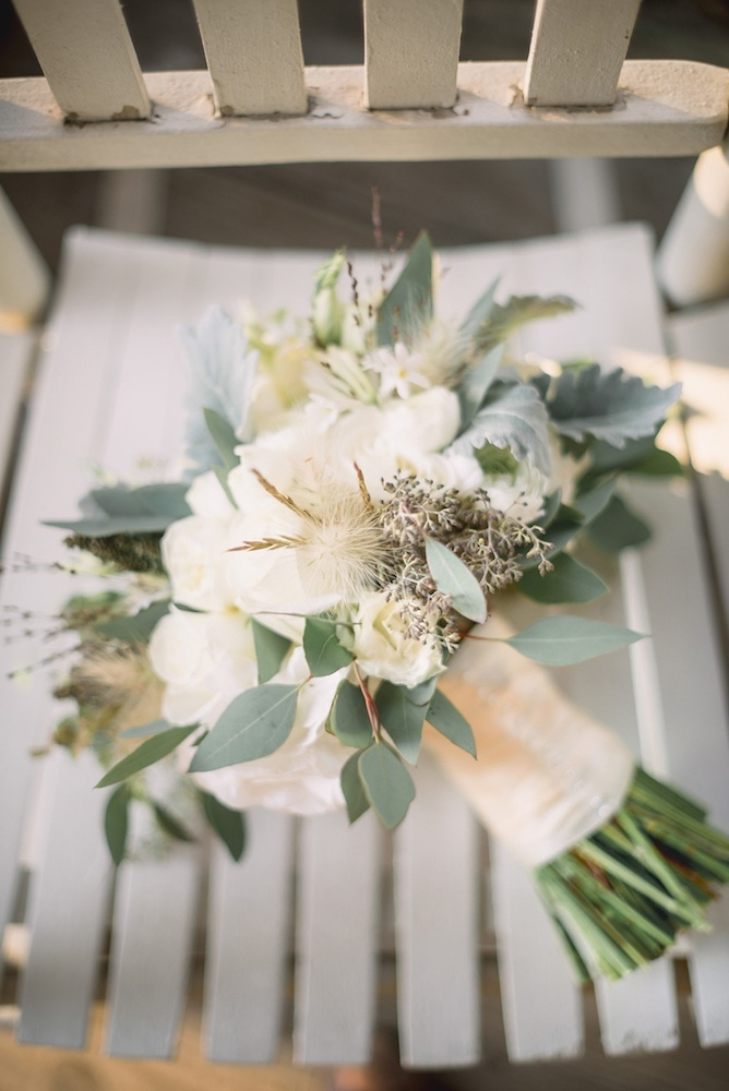 Florals by Out of the Garden. Image by Timwill Photography.