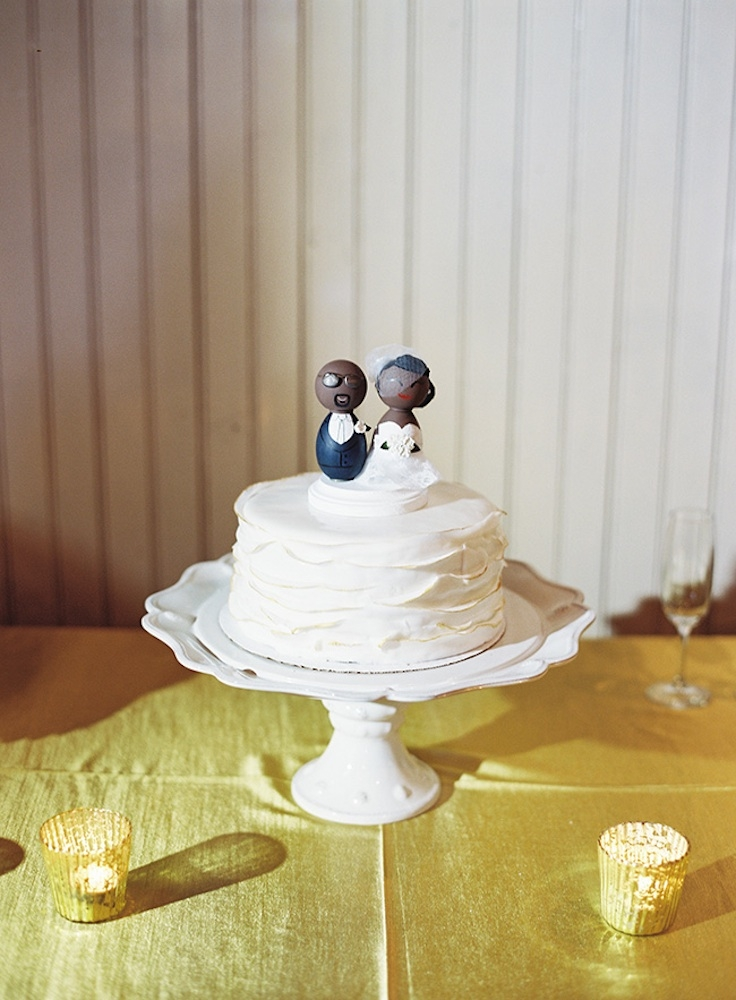 Cake topper by DS MeeBee. Image by Virgill Bunao Photography.