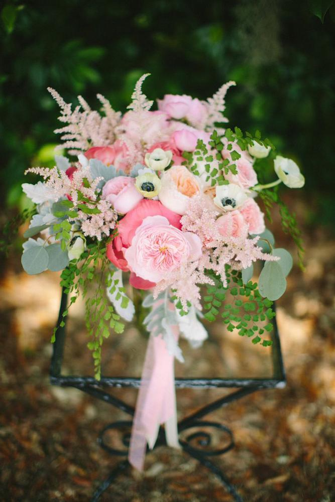 Florals by Branch Design Studio. Photograph by Juliet Elizabeth.