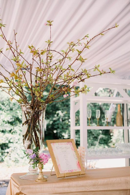 Florals by Branch Design Studio. Wedding design by Sweetgrass Social Event + Design. Image by Timwill Photography.