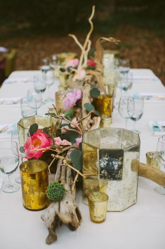Florals by Branch Design Studio. Photograph by Juliet Elizabeth at the Legare Waring House.