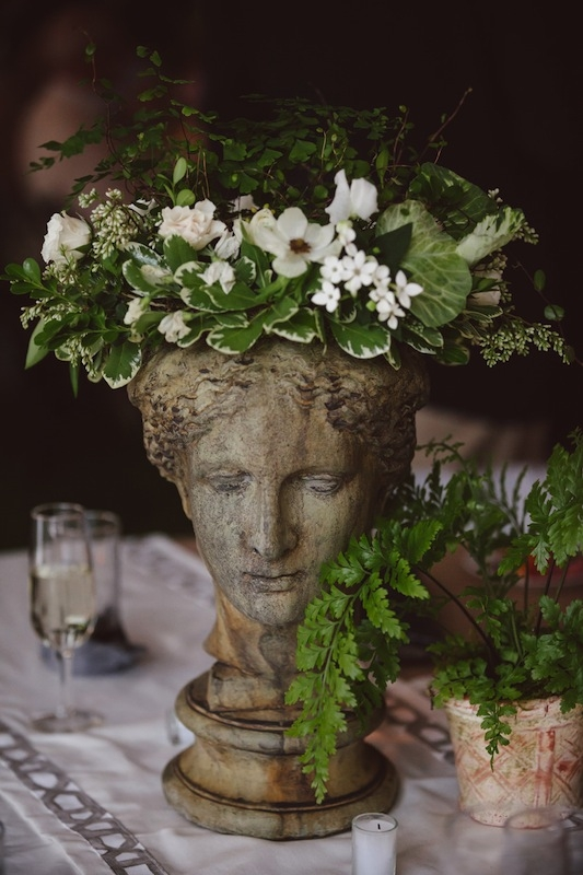 Florals by Heidi Inabinet of On a Limb. Image by Amelia + Dan Photography.