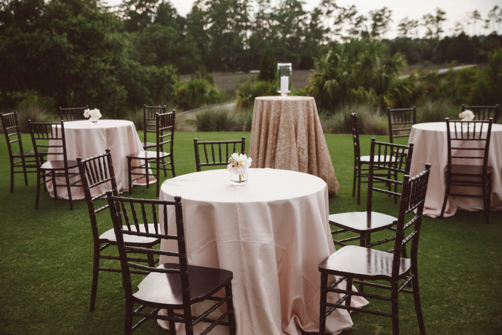 Wedding design by WED. Rentals from Snyder Events. Florals by Sara York Grimshaw Designs. Photograph by amelia + dan.
