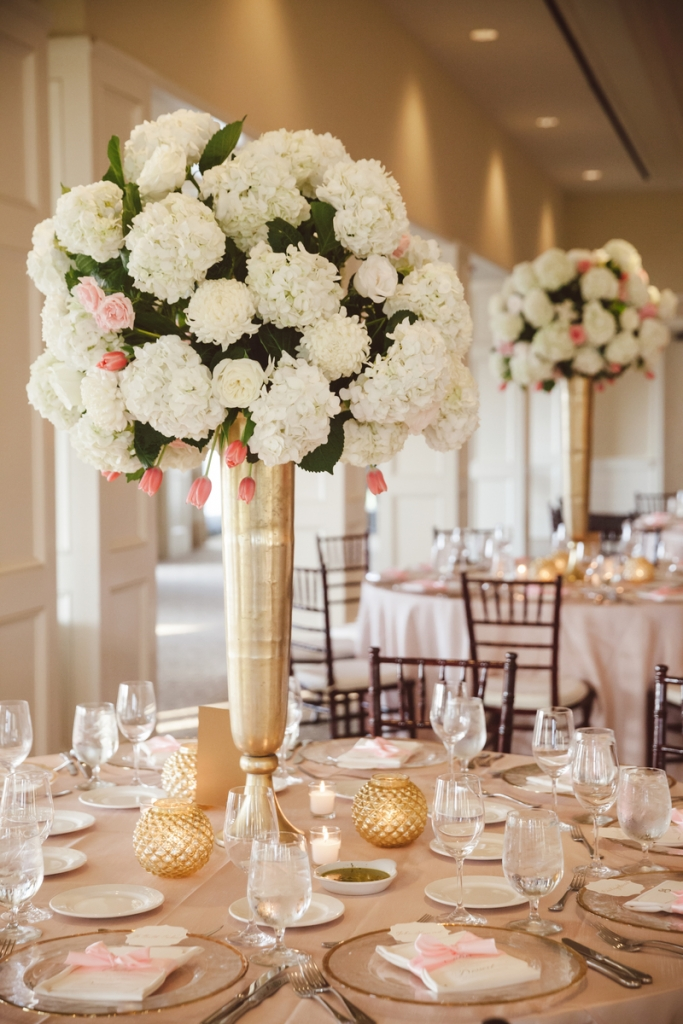 Wedding design by WED. Florals by Sara York Grimshaw Designs. Photograph by amelia + dan.