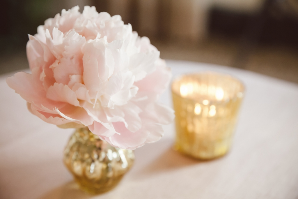 Florals by Sara York Grimshaw Desings. Photograph by amelia + dan.