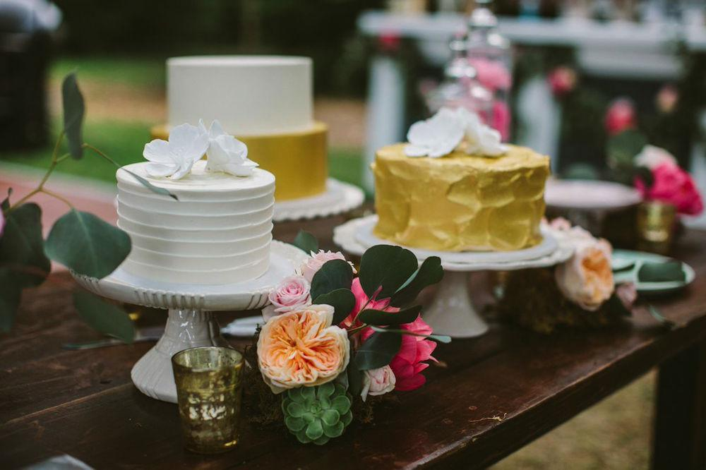 Cakes by DeClare Cakes. Photograph by Juliet Elizabeth.