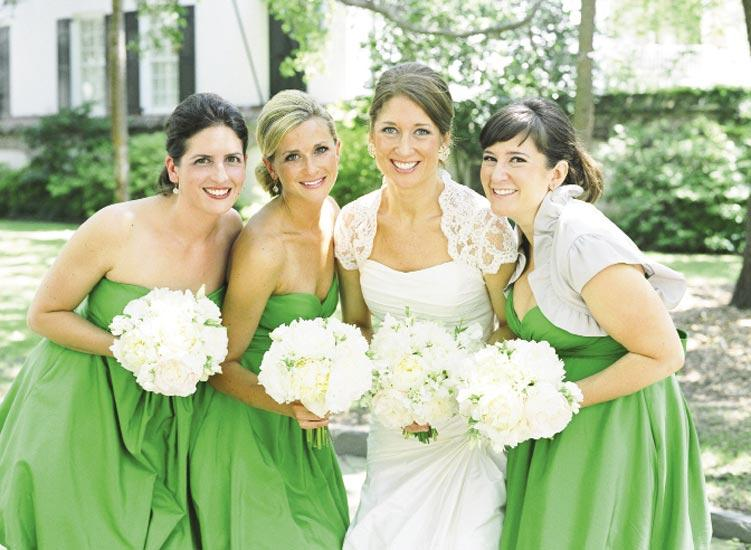 IT'S A FAMILY THING: Jessica's cousins and elder sister stayed cool in strapless kelly green bridesmaid frocks from BHLDN, Anthropologie's new bridal line.