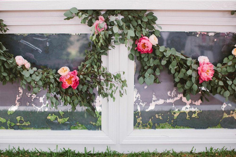 Bar by EventHaus. Florals by Branch Design Studio. Photograph by Juliet Elizabeth.