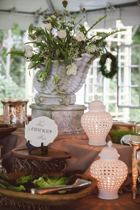 Florals by Heidi Inabinet of On a Limb. Wedding design and décor by Laura Jones & Company. Catering by Lowcountry Eats. Image by Amelia + Dan Photography.
