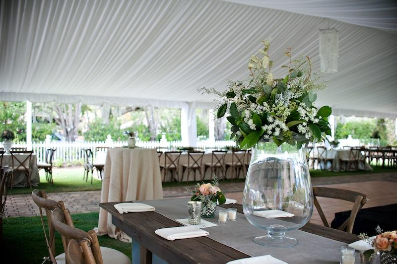 Florals by HB Stems. Rentals by Snyder Events and Amazing Event Rentals. Wedding design and coordination by WED. Image by Kelli Boyd Photography at The Beaufort Inn.