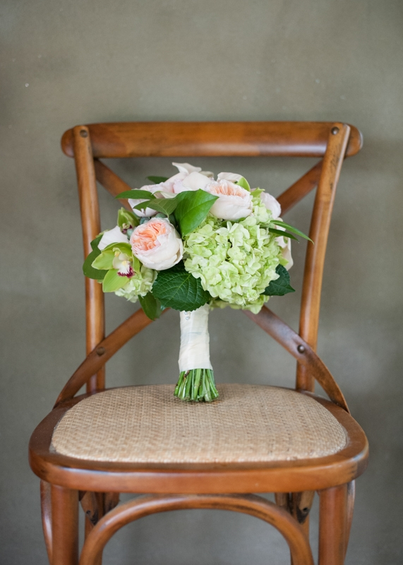 Bouquet by First Bloom of Charleston. Image by Britt Croft Photography.