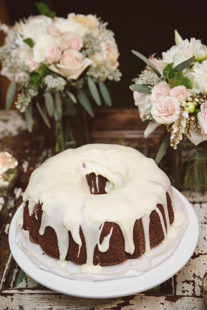 Cake by Libby Murdock. Image by amelia + dan photography.