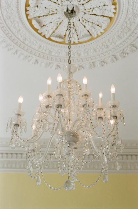 SHINING STAR: The interior of the circa-1825 Governor Thomas Bennett House featured brilliant architectural details and elegant crystal chandeliers.